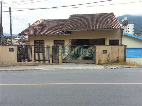 Casa Residencial para venda no Centro em Jaragua do Sul com 280m² por R$ 750.000,00