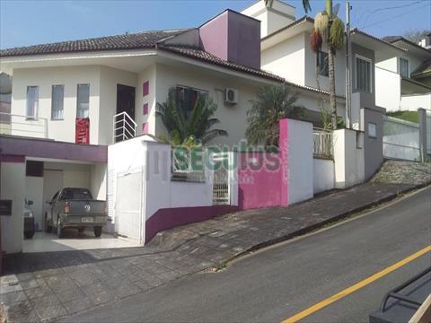 Casa Residencial para venda no Amizade em Jaragua do Sul com 195m² por R$ 800.000,00