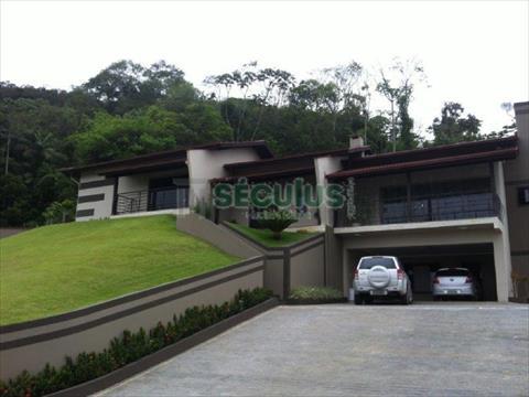 Casa Residencial para venda no Barra do Rio Cerro em Jaragua do Sul com 320m² por R$ 1.550.000,00