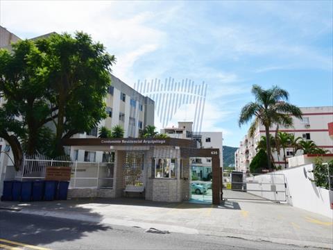 Apartamento para venda no Trindade em Florianopolis com 65m² por R$ 340000