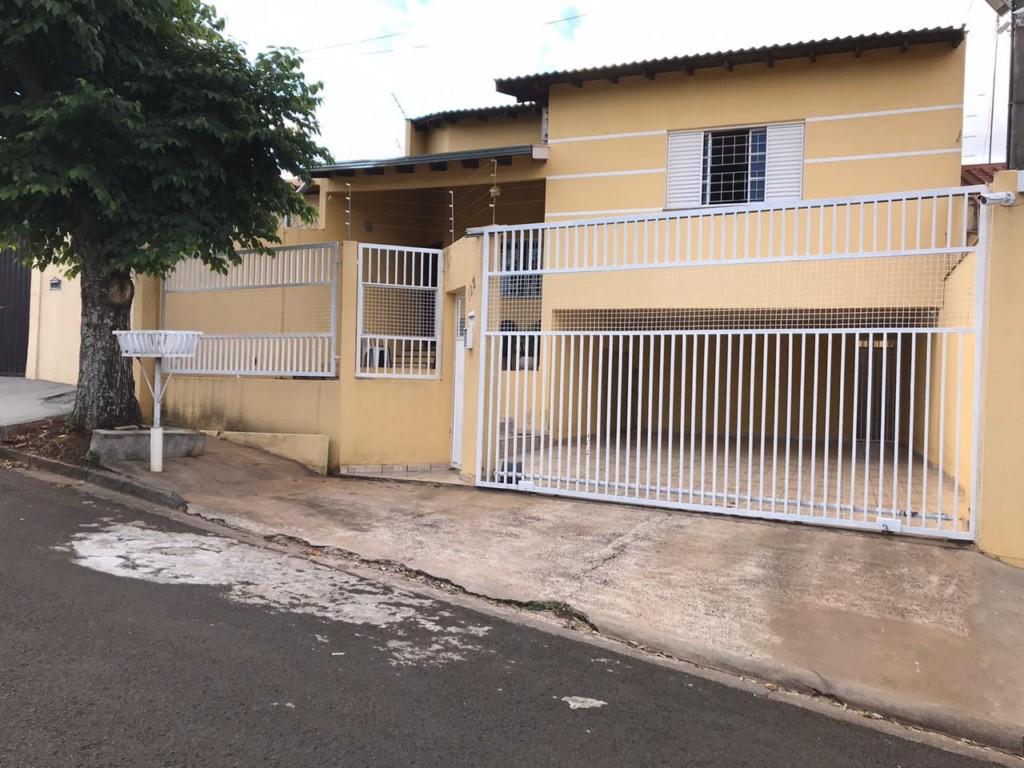 13650.6693, Casa de 3 quartos, 169 m² à venda no Coliseu - Londrina/PR