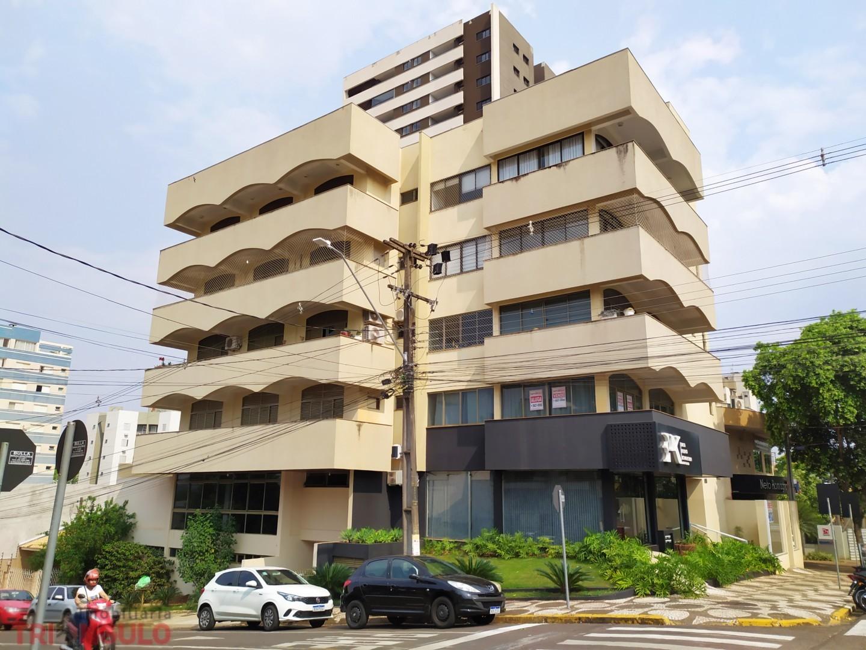 Apartamento para locacao no Zona I em Umuarama com 0m² por R$ 2500