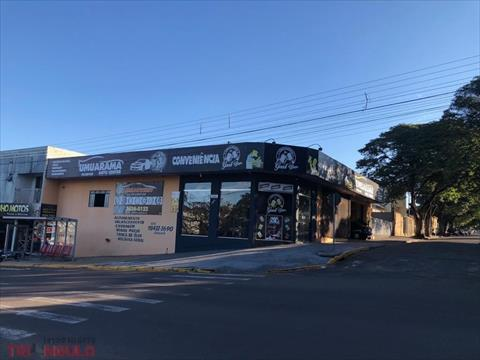 Salão para venda no Zona III em Umuarama com 100m² por R$ 1.000.000,00