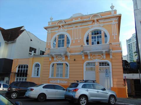 Casa Comercial para locacao no Centro em Joinville com 500m² por R$ 4.780,00