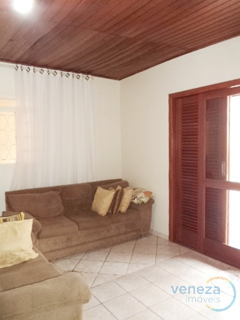 Casa Residencial para venda no Imagawa em Londrina com 180m² por R$ 250.000,00