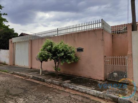 Casa Residencial para venda no Vitoria Regia em Londrina com 83m² por R$ 250.000,00