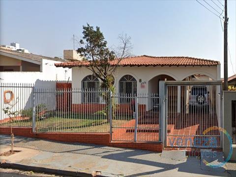 Casa Residencial para venda no Larsen em Londrina com 186m² por R$ 550.000,00