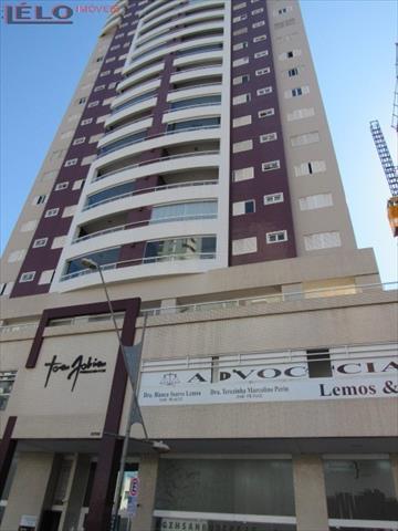 Apartamento para locacao no Novo Centro em Maringa com 181m² por R$ 1.900,00