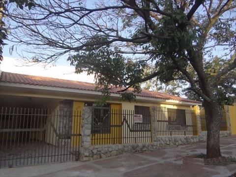Casa Residencial para venda no Zona 07 em Maringa com 136m² por R$ 450.000,00