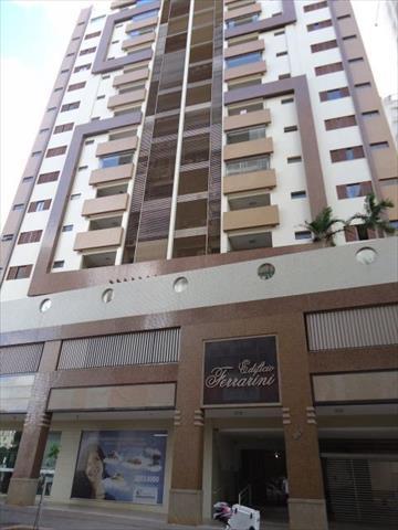 Apartamento para locacao no Zona 01 em Maringa com 239m² por R$ 2.500,00