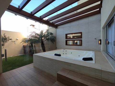 Sobrado para venda no Jardim Toquio em Maringa com 347m² por R$ 1.390.000,00