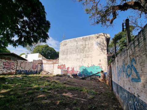 Terreno para venda no Vila Esperanca em Maringa com 282m² por R$ 300.000,00