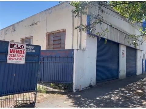 Salão para venda no Zona 07 em Maringa com 400m² por R$ 2.300.000,00