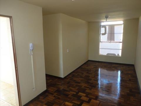 Apartamento para venda no Zona 07 em Maringa com 81m² por R$ 175.000,00